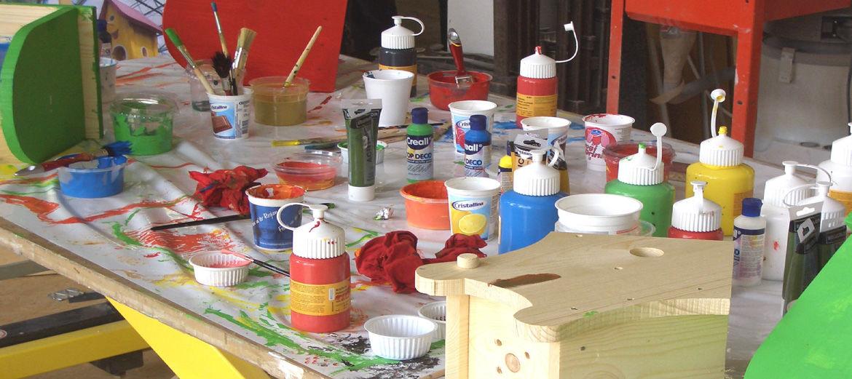 Das kreative Arbeiten macht Kindern und Erwachsenen viel Freude. Beim gestalten der Kunstwerke entfalten sich oft ungeahnte Talente!
