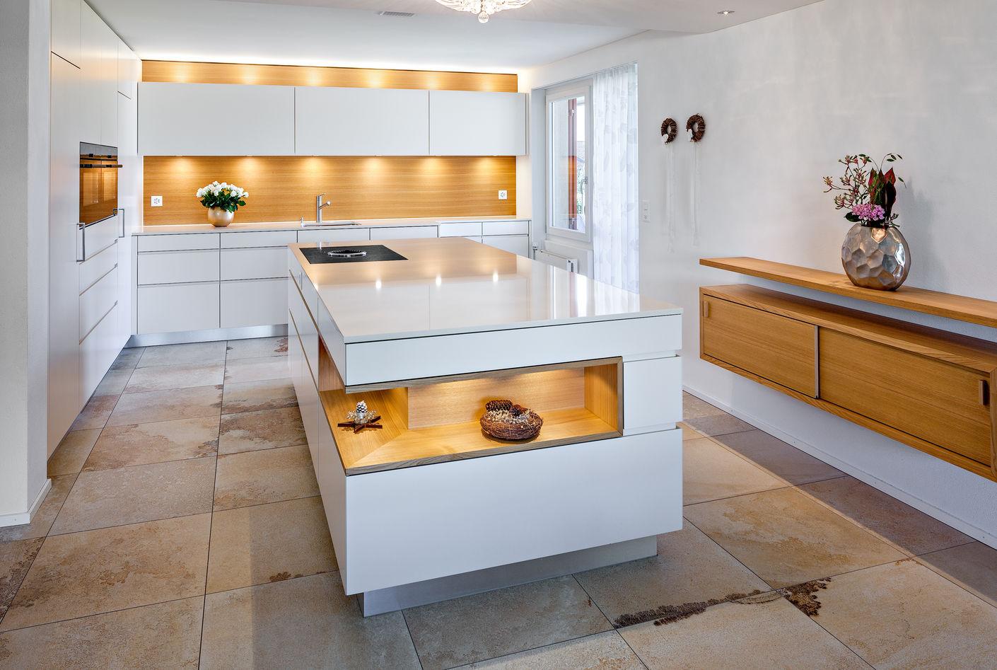Träume verwirklichen! PATRICIA WHITE CHESTNUT, Gewinnerin Swiss Kitchen Gold Award 2017, Kategorie Bester Küchenumbau der Schweiz. Design mit Charakter und Ästhetik - und 100% Swissness.
